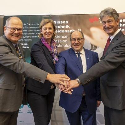 SAL-Geschäftsführer Werner Luschnig, Landesrätin Barbara Eibinger-Miedl, Aufsichtsratsvorsitzender der SAL Ingolf Schädler und TU Graz-Rektor Harald Kainz